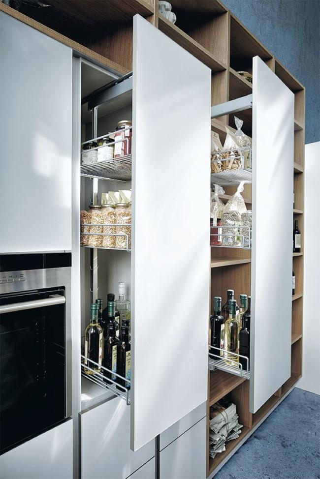 Kuchyne NX 902 Polárně bílá skleněná mat vnitrni vybaveni
